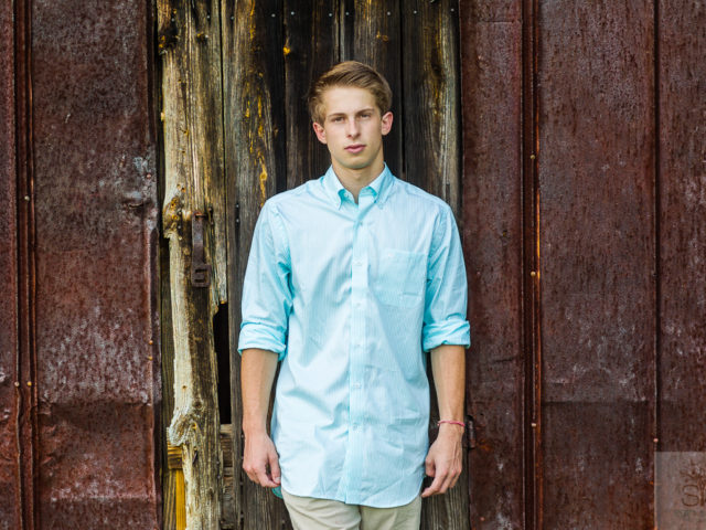 Noah's Senior Session—- This guy is a legend and I am so excited for his future. Great soccer and hockey player, loves to fish, and is an all around good guy.